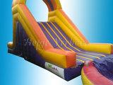 Tobbedansbaan met zwembad en bootjes_