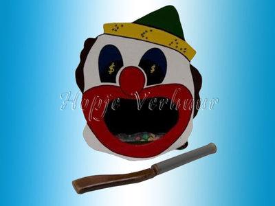 Kruisboogschieten clown